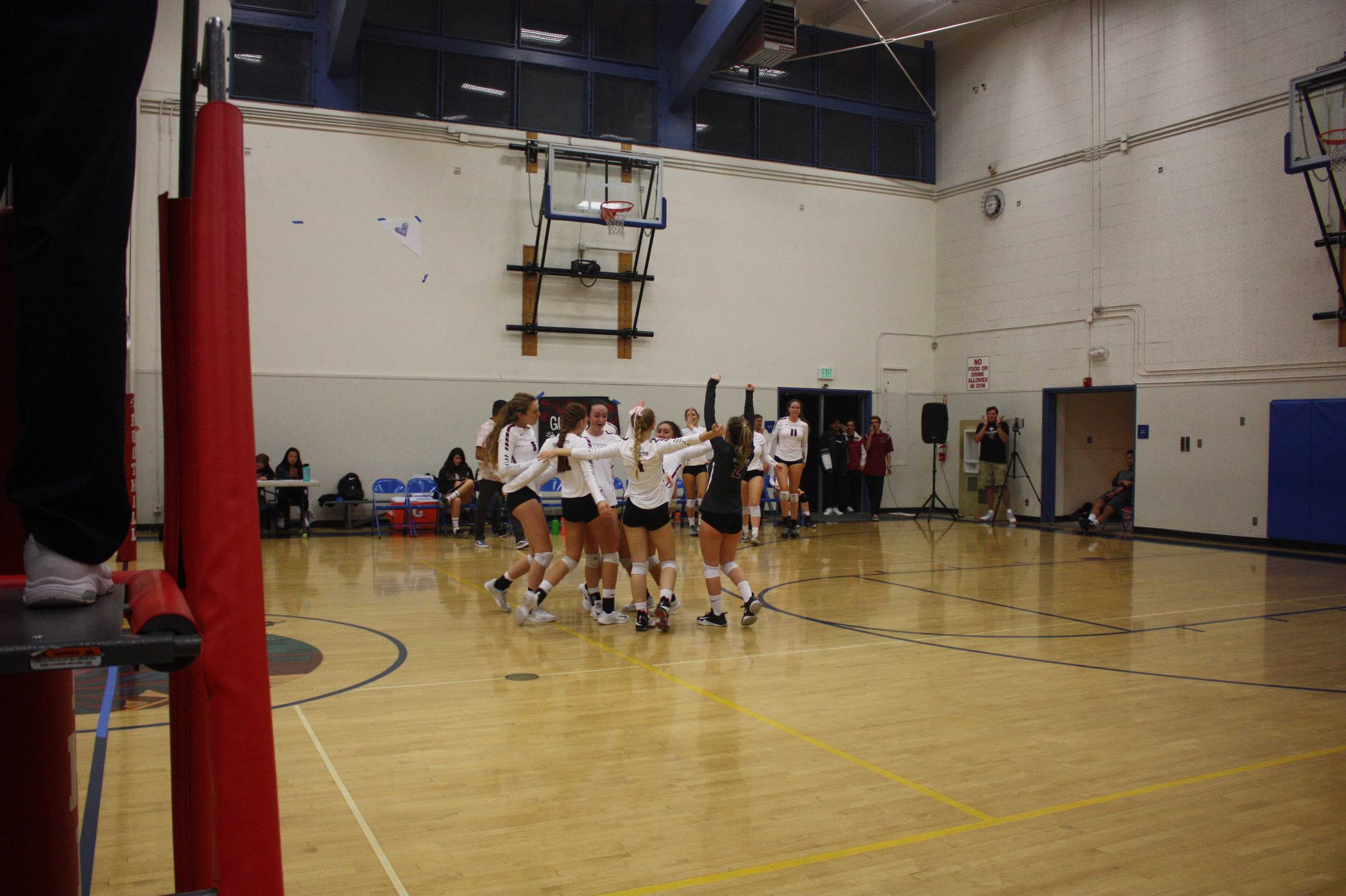 Girls' volleyball dominates in the second round of CIF playoffs