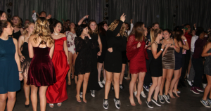 Winter Formal 2017 unifies students from around Ventura