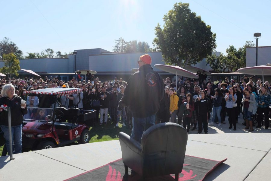 Dana+Eaton+stands+before+the+crowd+of+students+and+teachers+at+the+ceremony+honoring+him.+Credit%3A+Grayson+McCoy+%2F+The+Foothill+Dragon+Press