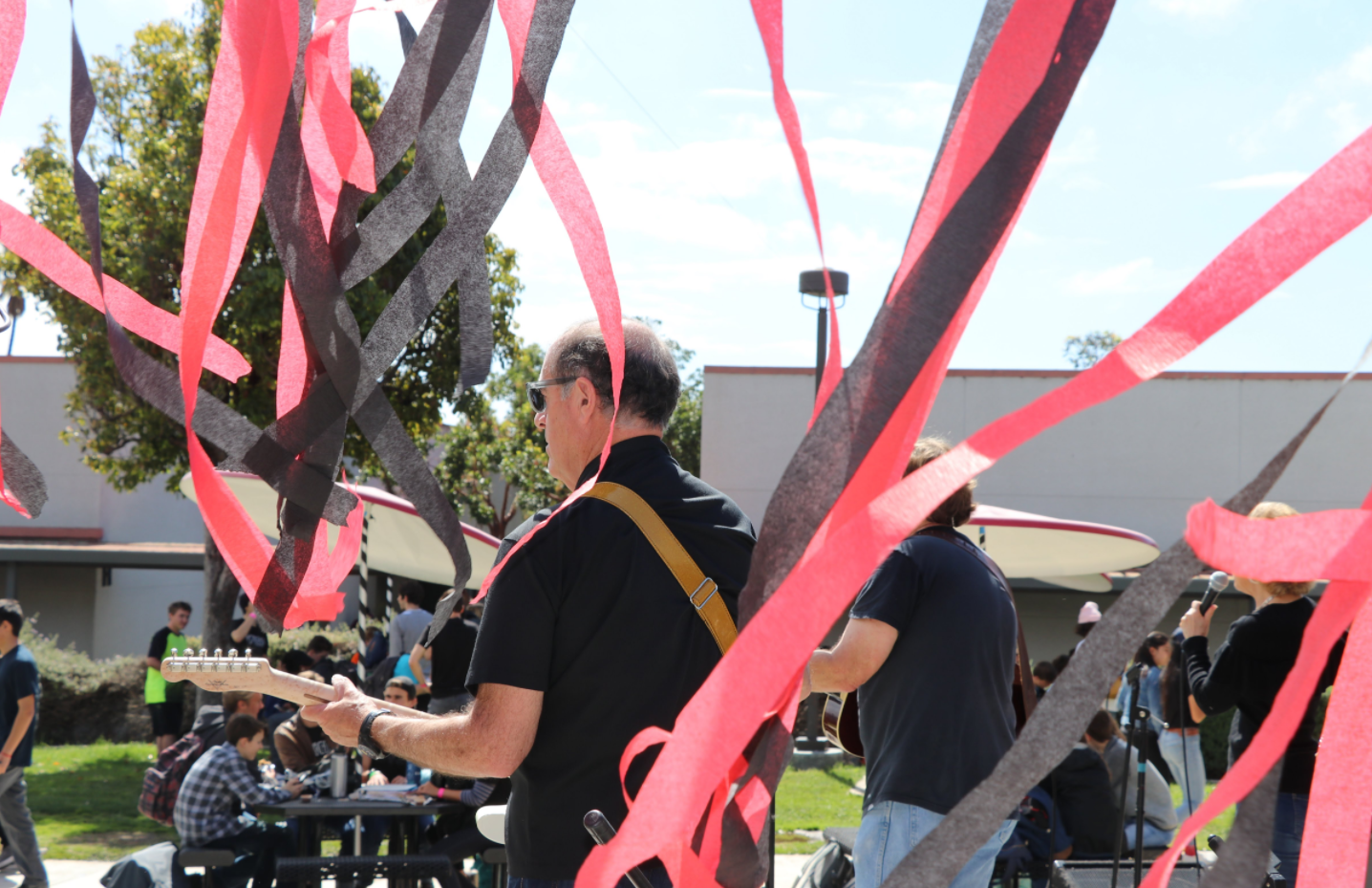 Rockin' renaissance rally thrills students on campus