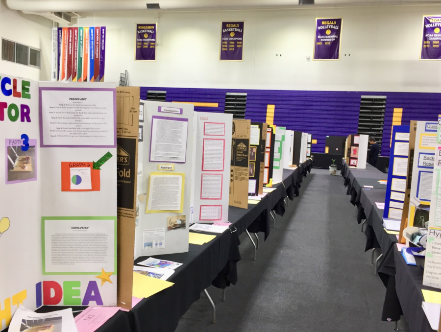 Over+300+tri-fold+posters+stood+in+Cal+Lutheran.+Credit%3A+Rachel+Chang+%2F+The+Foothill+Dragon+Press