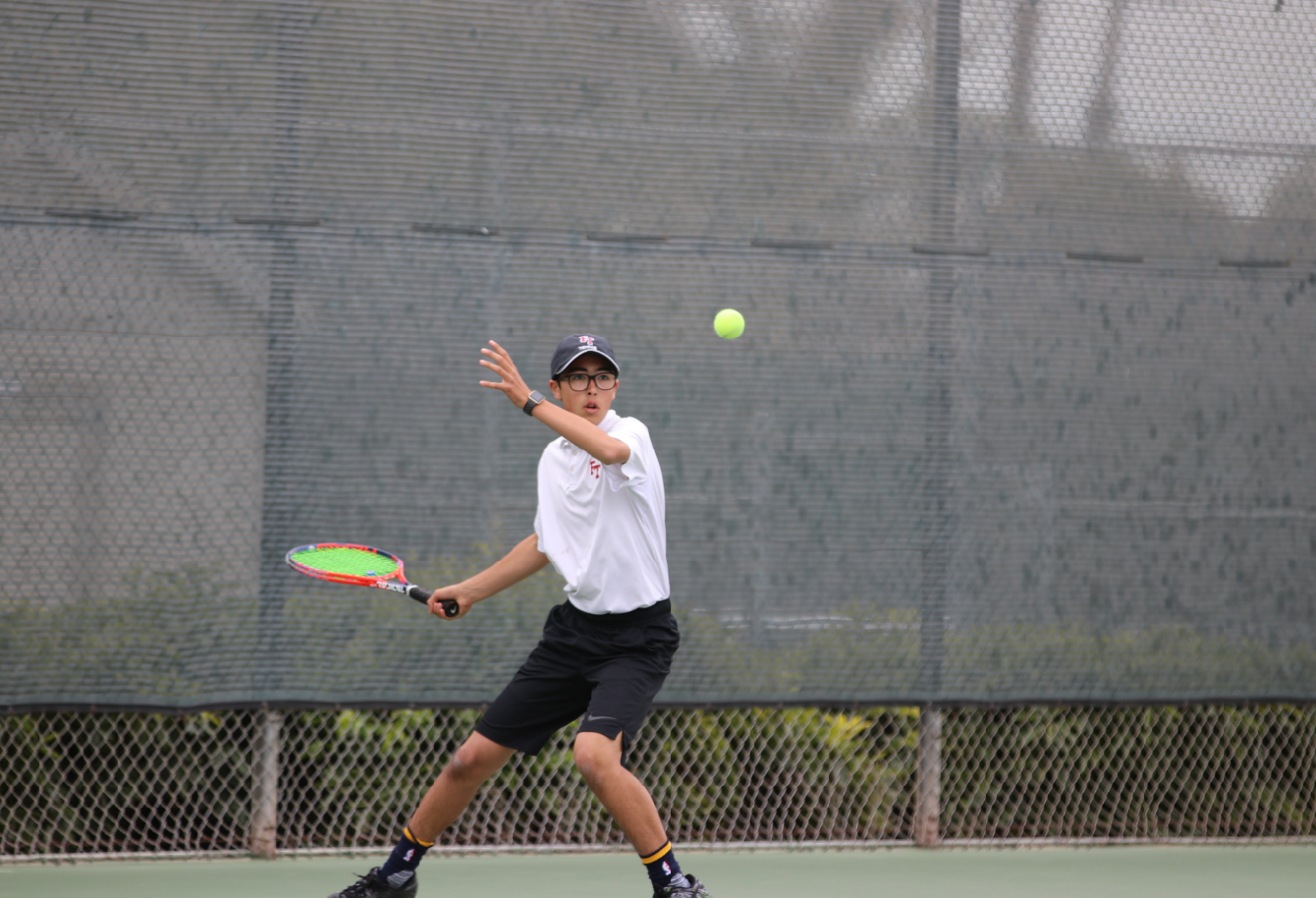 Trouble with doubles causes 13-5 loss for Boys' Tennis against Carpinteria