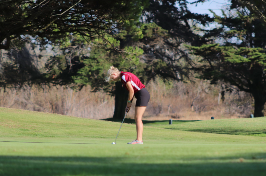 Second+to+final+swing+for+Anna+Pyron+%2719+during+the+8th+hole+of+the+match.+Credit%3A+Claire+Renar+%2F+The+Foothill+Dragon+Press