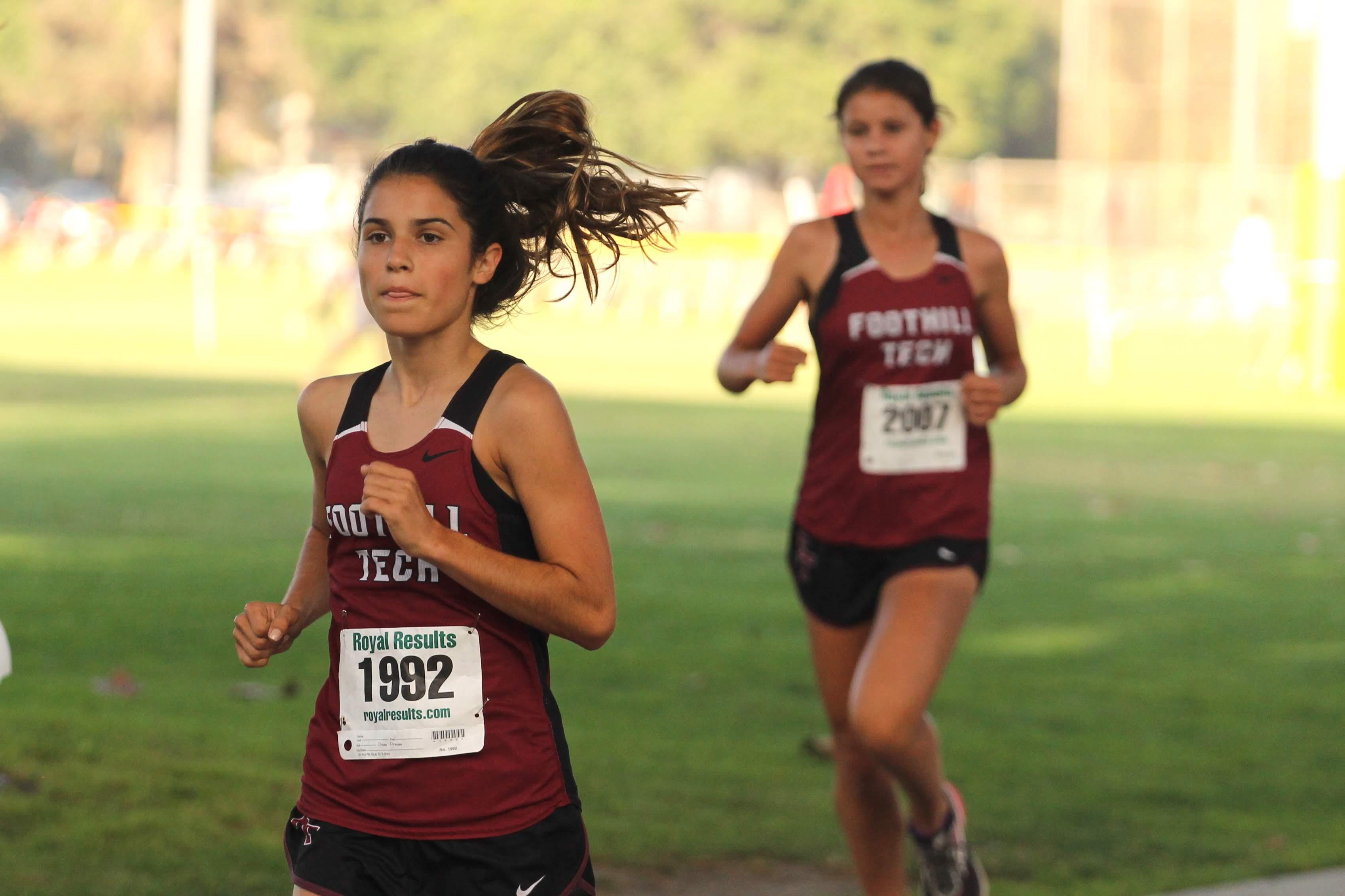 Maya Diaz '22 in full sprint. Credit: Claire Renar / The Foothill Dragon Press