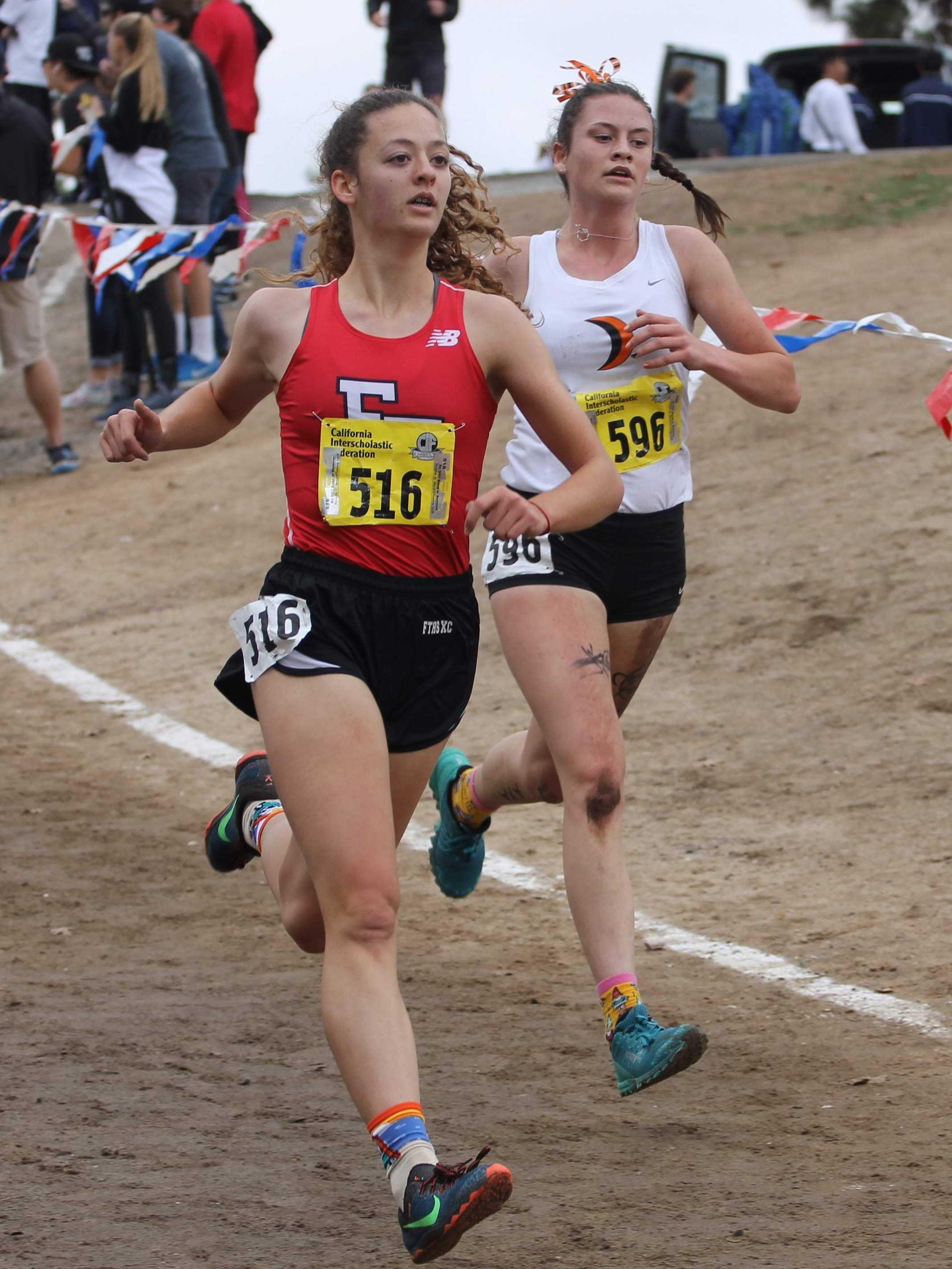 Brooke Secreto moves down a slight hill. Credit: Jocelyn Brossia / The Foothill Dragon Press