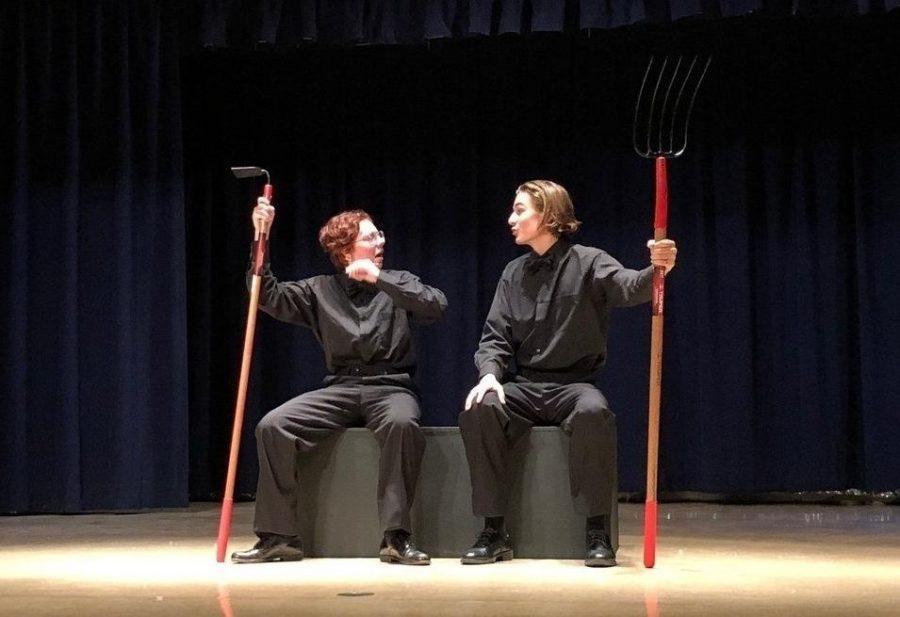 Ventura students Ren Tallent '19 and Luke Pfeifer '19 sing