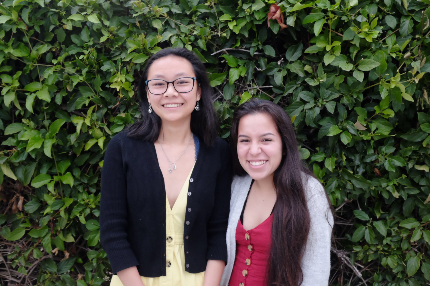 Vanessa Luna '19 and Shealyn Massey '19. Credit: Jason Messner / The Foothill Dragon Press