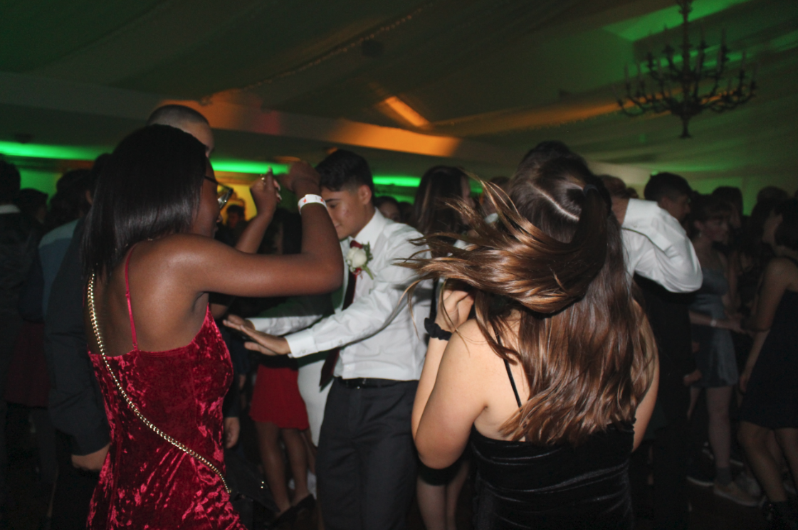 Students dance the night away at Winter Formal 2018