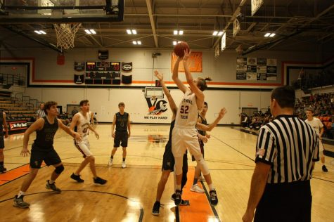 "Wrap-Up: Boys' basketball suffers ""tough loss"" to Grace Brethren 46-48"