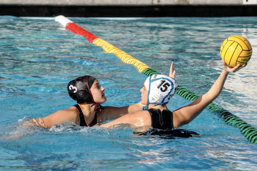 Giovanna Postma 20' defends opponent. Credit: Muriel Rowley / The Foothill Dragon Press