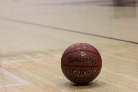 Wrap-Up: Girls' basketball crushes Grace Brethren 41-20