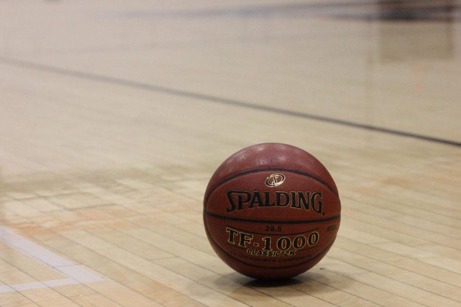 Playoff+Recap%3A+Girls%27+basketball+wins+48-32%2C+advances+to+quarterfinals