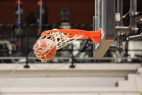 Boys' basketball team takes victory over Besant Hill 68-38