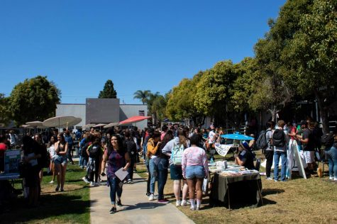 A carnival takes over Foothill at annual Renaissance rally