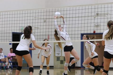 Girls' volleyball edges Grace Brethren in five sets