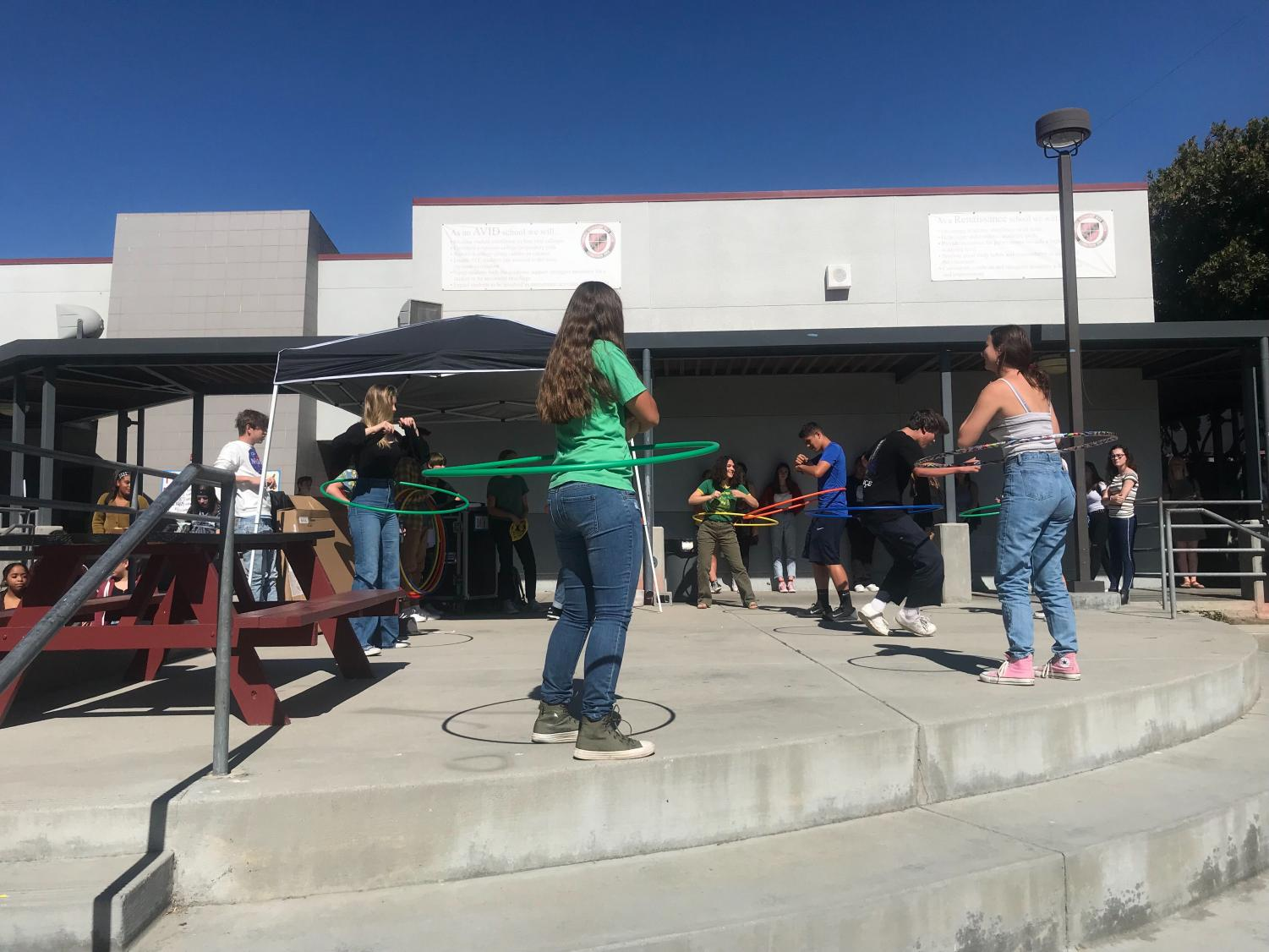 QSA hosts a hulu-hoop contest on the stage