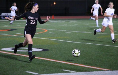 Girls soccer commemorates nine seniors during senior night; game concludes in a draw