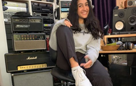 Ella Oliveras '22 in the studio working on her next song (image by Ramtin Noury, used with permission).