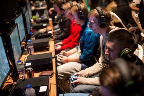 Generation Z teenagers participating in an Esports competition. Credit: Daily Mirror.