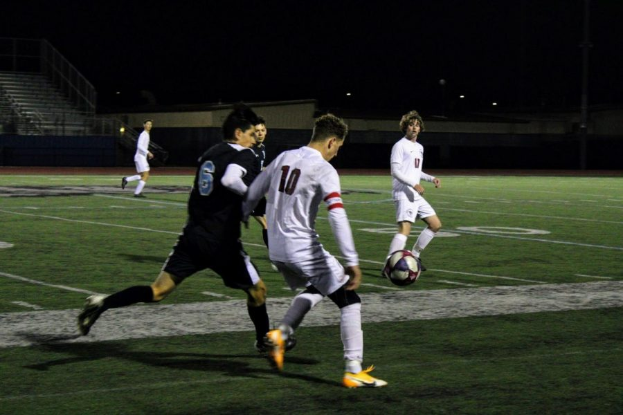 Boys' soccer blanks Buena 2-0 in second game of the season