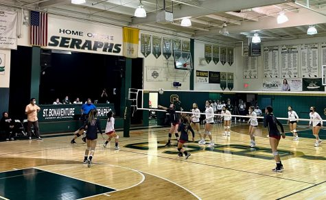 Girls´ volleyball suffers rough 3-0 loss against rival school St. Bonaventure