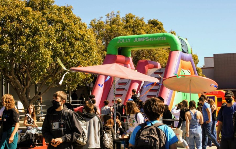 The fall Renaissance Rally sparks excitement around Foothills campus.