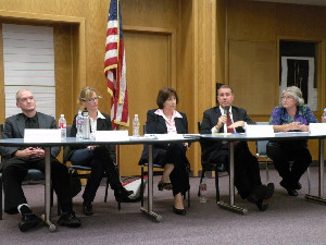 School Board candidates vie for seats at public forum