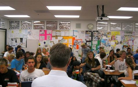 Richard Geib lectures to his Advanced Placement United States History students at a cram session on Thursday night. Credit: Anaika Miller/The Foothill Dragon Press.