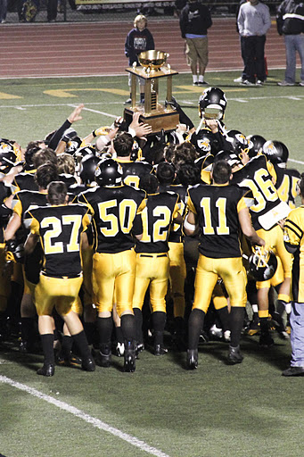 Ventura beat Buena 20-6 and took home the trophy for the second year in a row. Credit: Bethany Fankhauser/The Foothill Dragon Press