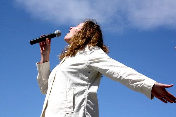 Wendi Butler performed