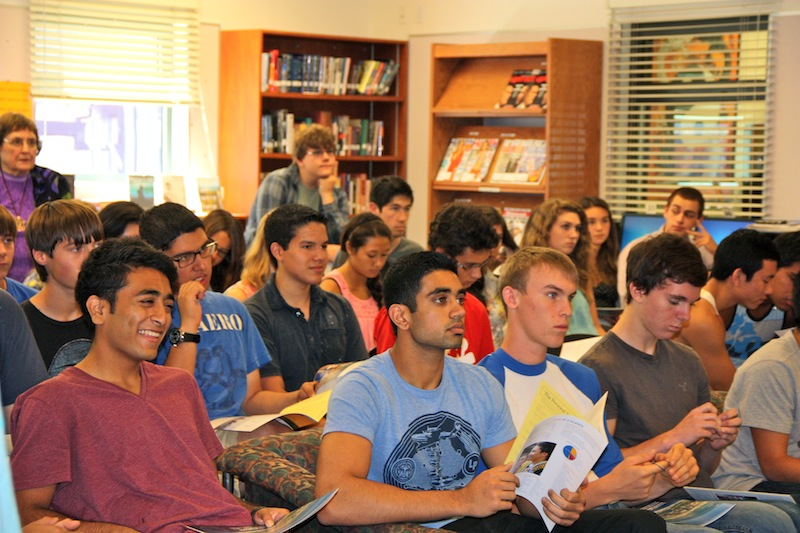 Foothill seniors attend College Day to learn about possible choices for future education. Credit: Natalie Smith/The Foothill Dragon Press