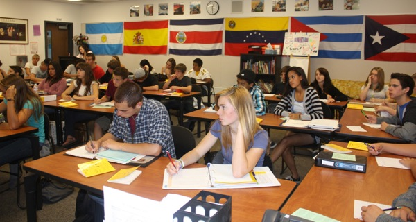 Classes packed with 40 or more students, such as the Spanish class taught by Steven Perfect, may become the norm if the budget crisis continues. Brynn Gallagher/The Foothill Dragon Press.