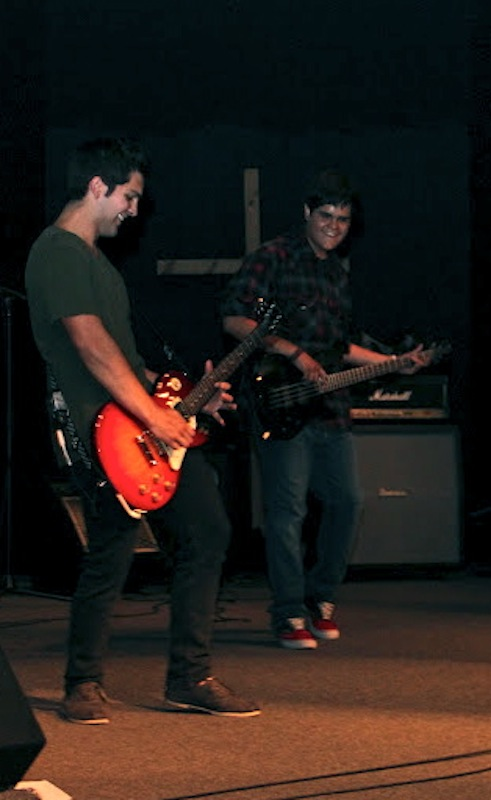 Senior Garrett Lyons (left) performs with junior Jake Ryno (right) for Lyons Hero Project Friday night. Credit: Felicia Perez/The Foothill Dragon Press