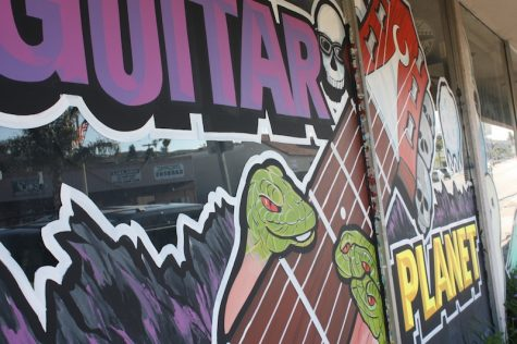 Guitar Planet, located on Main St., offers lessons, guitars and accessories. Credit: Chrissy Springer/The Foothill Dragon Press.