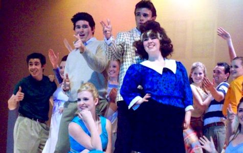 "Actors shine in VHS's ""Hairspray""  (18 photos)"