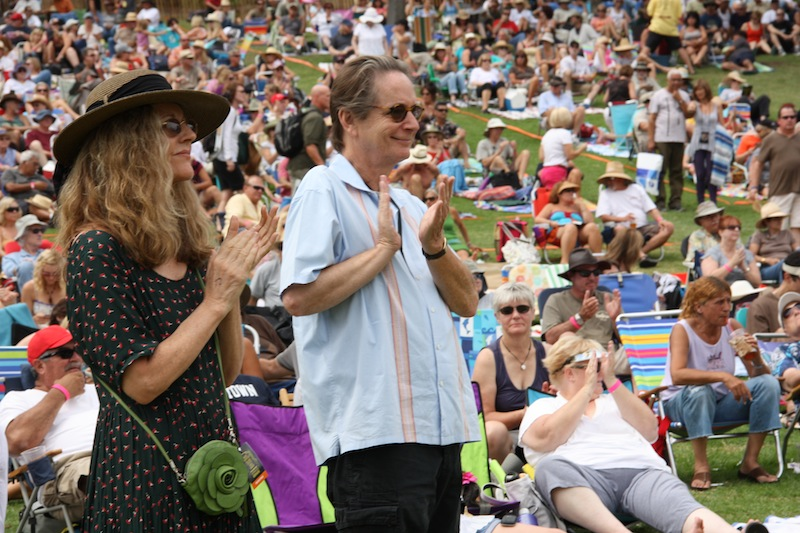 Audience members clap along to performers at the Ventura Hillsides Music Festival. Credit: Melissa Marshall/The Foothill Dragon Press