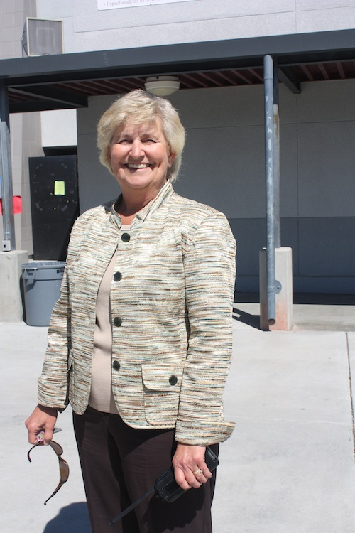 New+Assistant+Principal+Peggy+Kroener+is+happy+to+be+starting+the+year+at+Foothill.+Maya+Morales%2FThe+Foothill+Dragon+Press.