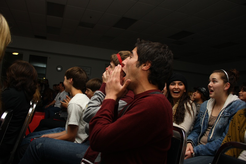 Audience members reacts to the Mr. Foothill competition. Credit: Aysen Tan/The Foothill Dragon Press.