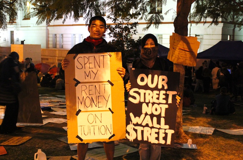 Roughly 1,000 protestors have joined Occupy Los Angeles since it started Saturday. Credit: Ben Gill/The Foothill Dragon Press.