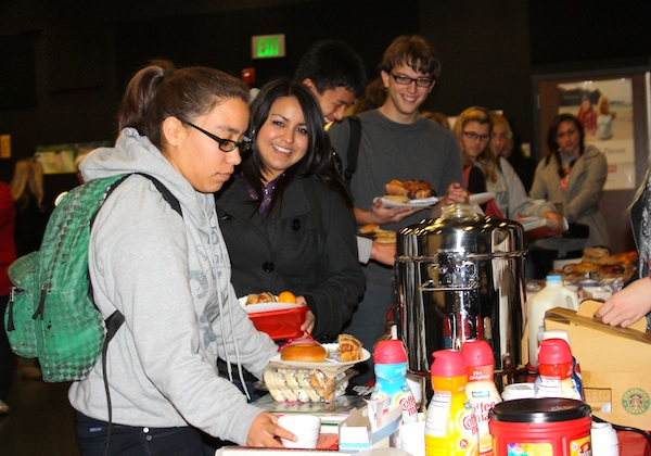Seniors wait in line Friday to pick up a free breakfast that is provided to show Foothills appreciation of their hard work. Credit: Eva Morales/The Foothill Dragon Press.