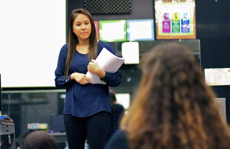 Foothill alumnus Melissa Jimenez speaks to students about playing sports at the collegiate level. Credit: Jackson Tovar/The Foothill Dragon Press