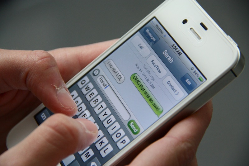 Some students believe that texting is ruining modern English. Credit: Bethany Fankhauser/The Foothill Dragon Press