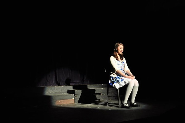 Sophomore Lani Akuna recites a monologue about a first kiss at Ventura's Winter Showcase Friday. Credit: Hannah Padaoan.