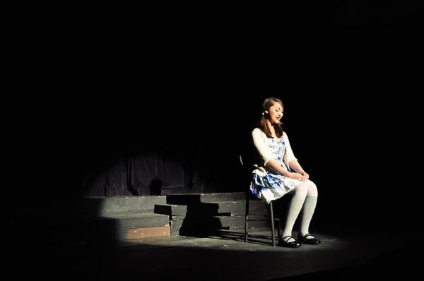 Sophomore Lani Akuna recites a monologue about a first kiss at Venturas Winter Showcase Friday. Credit: Hannah Padaoan.