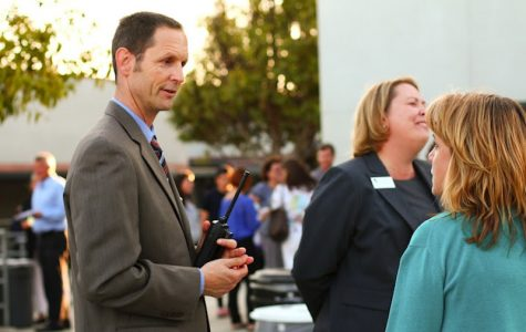 Parents get acquainted with Foothill, visit classes at Back to School Night (24 photos, video)