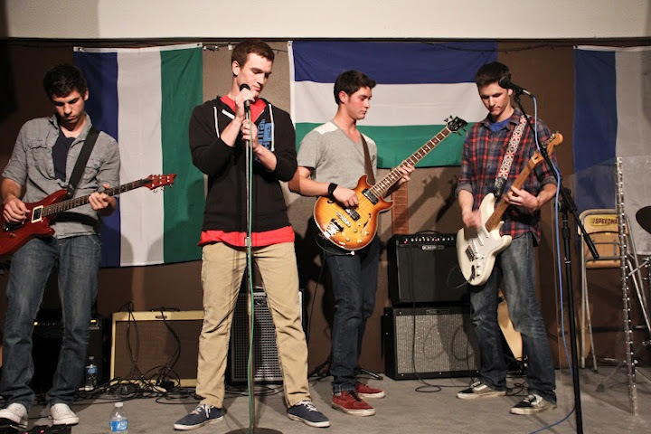 Myrmar, a band formed by seniors Daven Gonzales, Connor Fenwick, Henry Ashworth, and Nolan Bailey (left to right), performs to raise money for Schools for Salone. Credit: Bethany Fankhauser/The Foothill Dragon Press.