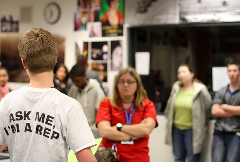 Freshman Cody Clark talks with parents at Foothill's information session for prospective students on Thursday night. Credit: Jackson Tovar/The Foothill Dragon Press