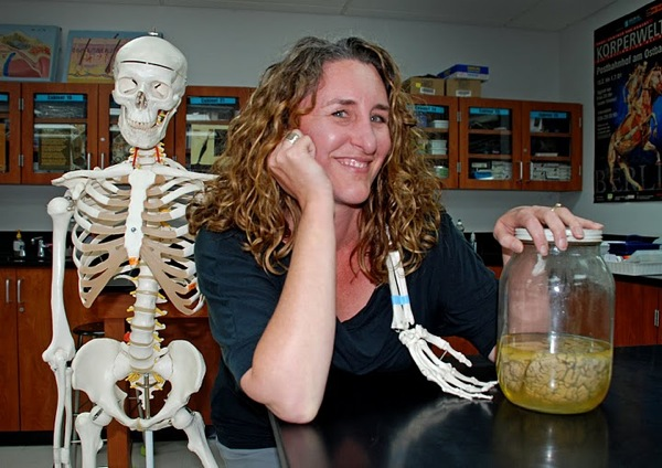 Long-time science teacher, Wendi Butler, will be leaving Foothill to take a job offer at Cate School in Carperteria. Credit: Alex Phelps/The Foothill Dragon Press.