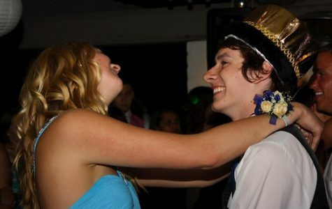 Senior Rachel Alston and Prom King Trevor Kirby dance at prom Saturday night. Credit: Aysen Tan/The Foothill Dragon Press