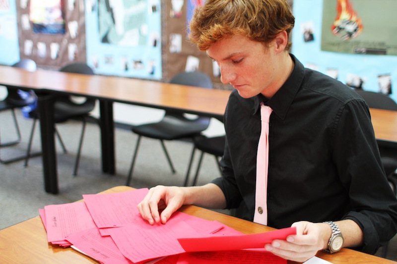 ASB representative Jackson Tovar coordinates the senior wishes. Credit: Aysen Tan/The Foothill Dragon Press